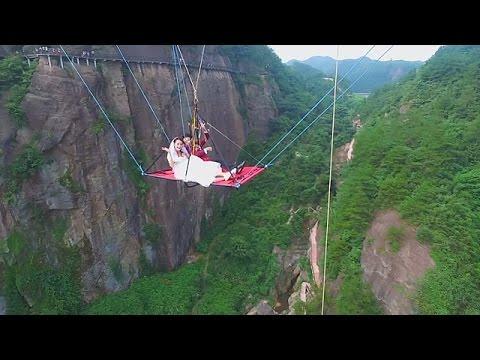 Стеклянный мост в Китае! Прикол! 2017, Funny video