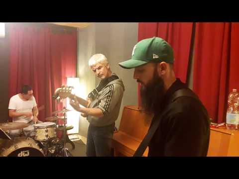 David Blair @ Bandprobe  http://www.davidblairsongs.con