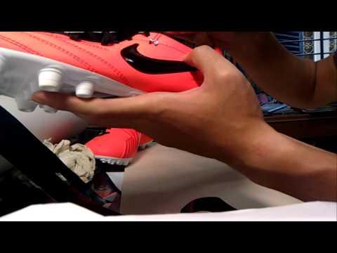 Cách dán ID cho giày đá bóng bằng Decal