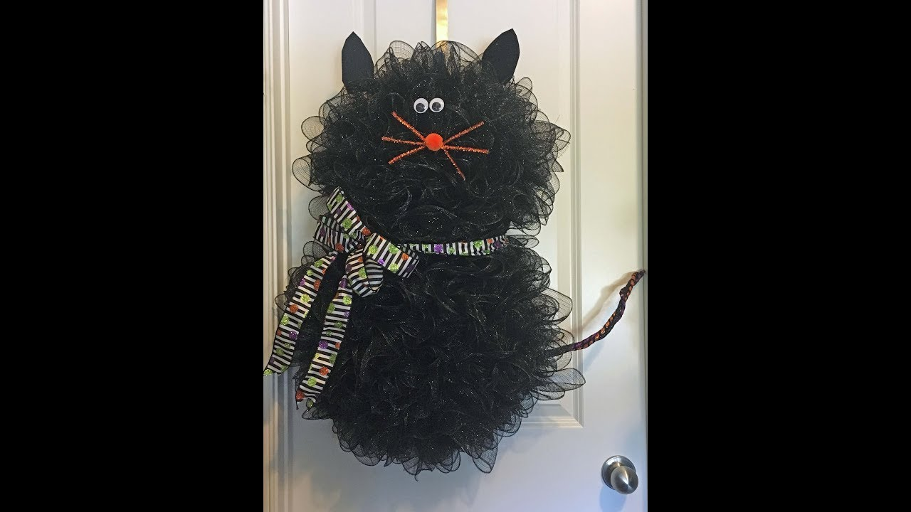 How to make a deco mesh cat wreath for Halloween - YouTube