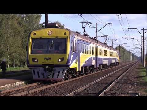 Электропоезд ЭР2T-7113/7114 на о.п. Гайсма / ER2T-7113/7114 EMU at Gaisma stop,