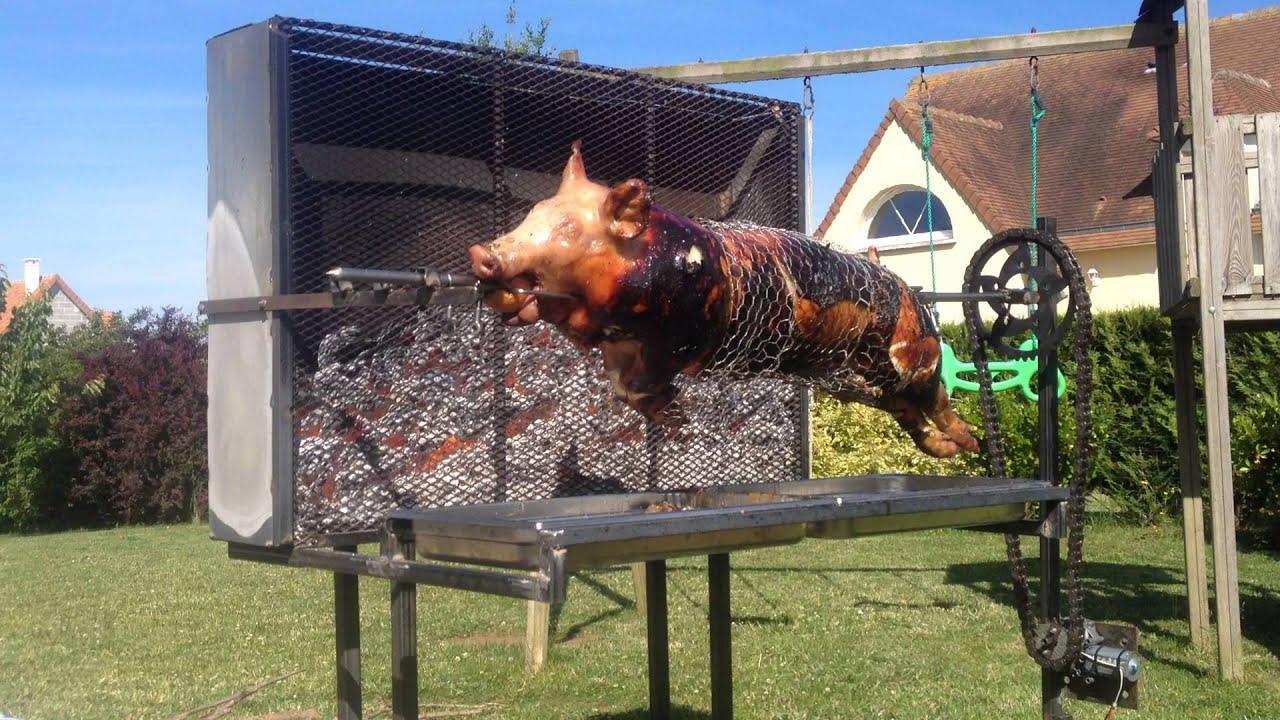 cochon sur barbecue - YouTube