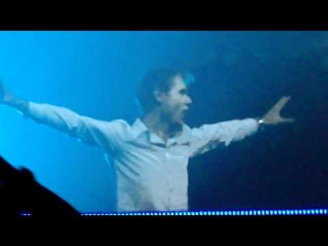 AO 2010 - Curtain Opens! 3