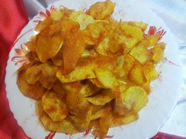 Картофель по деревенски  но верно и другое — чипсы, изготовленные промышленным путем, достаточно вредные.