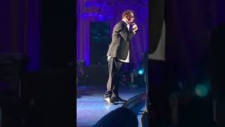 Пьяный Лепс на концерте поет под фонограмму и одел штаны задом на перед