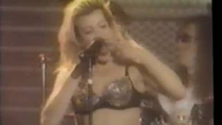 Taylor Dayne - With Every Beat Of My Heart (Performance)