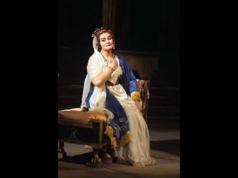 """Joan Sutherland sings """"Bel raggio lusinghier"""" (Carnegie hall, 1964)"""