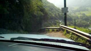 Driving Down Waipio  Valley 4x4 Road