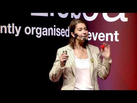 """TEDxLisboa - Clara Fernandes - """"Atitude Sorrir: A Verdadeira Criatividade!"""""""