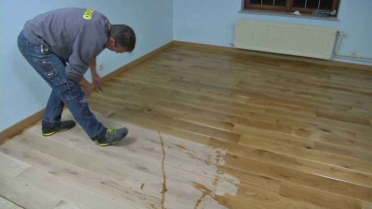 traiter du parquet massif etape par tape bricolage youtube. Black Bedroom Furniture Sets. Home Design Ideas