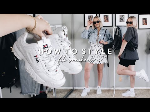 how-to-style-the-fila-disruptors!-bulky-sneaker-outfit-ideas-2019