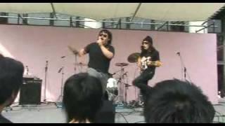 2008年 花園大学学園祭 X Japanのエアバンドです Vo.FuTOSHI Gt.松本 Dr...