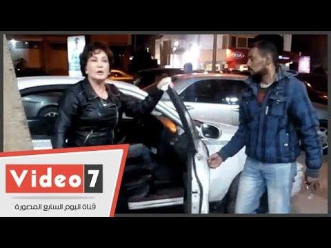 موقف طريف للفنانة لبلبة فور وصولها عزاء الناقد على أبو شادى  - 19:22-2018 / 2 / 19