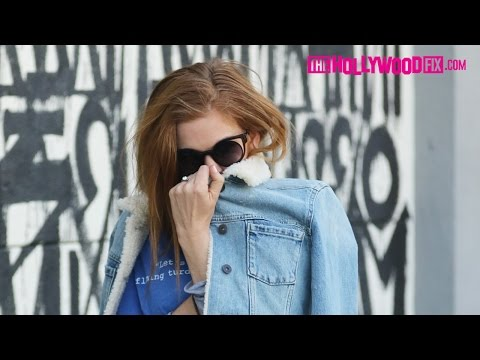Isla Fisher Is Called Amy Adams By Paparazzi While Acting A Fool Leaving Gracias Madre 12.2.16