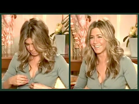 "JENNIFER ANISTON is nostalgic about FRIENDS: ""I still watch it on TV"" (and then her button pops...)"