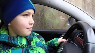 Дети катаются на машине! ШОК!!! Смотреть всем!(Дети катаются на машине! ШОК!!! Смотреть всем!, 2016-01-17T06:27:17.000Z)