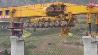 Increible maquina para construir puentes en China