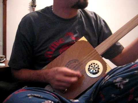 Cigar box guitar GDG tuning first play