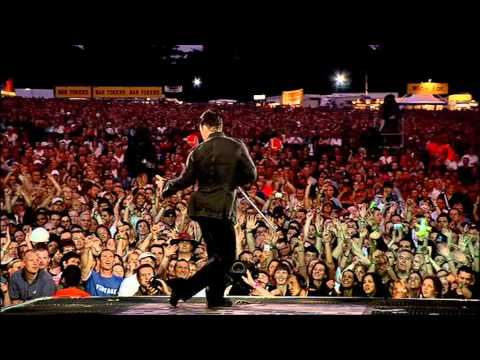 Robbie Williams - Me And My Monkey ( Live at Knebworth )
