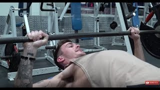 V Shred - The Worst Bench Press Advice Ever Put In A YouTube Video