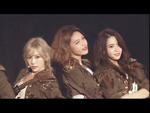 Girls' Generation ( 소녀시대 )- THE BOYS 'Phantasia' in Seoul