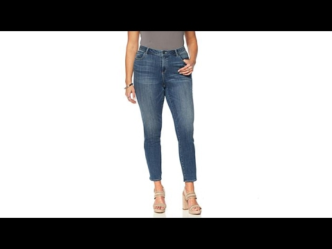 Two by Vince Camuto Denim Skinny Jean  Plus. http://bit.ly/2WDEyq3