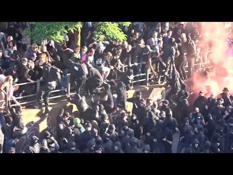 Hamburg police attack Welcome to Hell march - anti G20  demo 7/7/2017