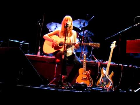 "Lucy Rose -   ""Be Alright"" live @ Hoxton Hall, London, 2011-03-08"
