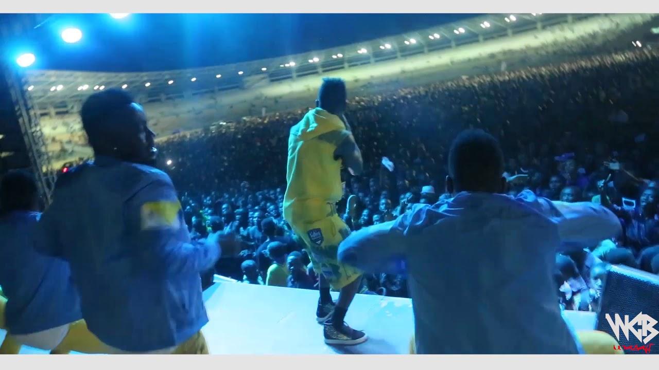 Download Diamond Platnumz - Live performance at Dar es salaam Taifa Stadium)part4