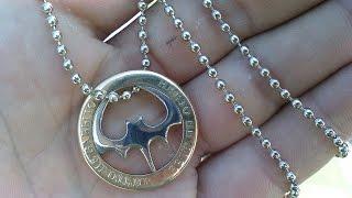 как сделать медальон из монеты своими руками.. смотреть всем(Данное изделие можно подарить как мидальон на шею, брилок на ключи, марку автомобиля, браслет на руку., 2013-10-20T17:33:52.000Z)
