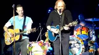 Coldplay Live To Love Somebody + Stayin Alive with Barry Gibb @ Glastonbury 2016 (26/06/2016)