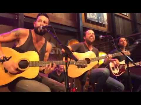 Old Dominion - HGTV Lodge Show 6.12.16//Wrong Turns