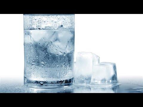 4 أضرار صحية لشرب الماء البارد