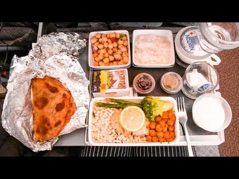 HALAL AIRPLANE FOOD on Singapore Airlines ► SFO to SIN