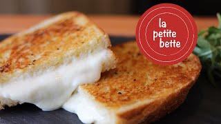 Sandwich Grillé Au Fromage (grilled Cheese) Au Bagna Cauda