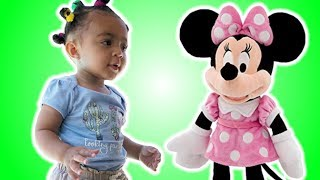 Leah Pretend Play with Favorite Toys at Disney Store with Minnie Mouse