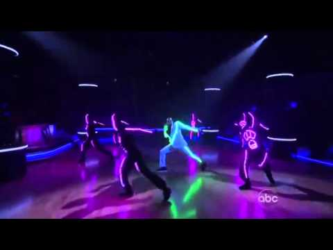 Chris Brown - Forever & Beautiful People at DWTS results