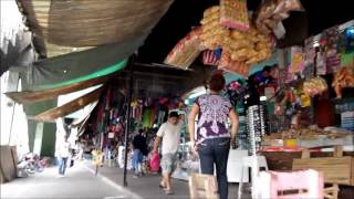 クバオのバスターミナルと市場 Cubao Philippines