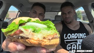 Eating Smashburger Sriracha & Avocado Turkey Burger @Hodgetwins thumbnail