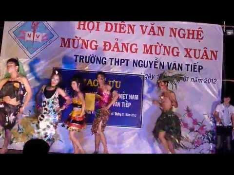Thời trang vui nhộn cười bễ bụng - Lớp 12A6 - THPT Nguyễn Văn Tiếp  2011-2012