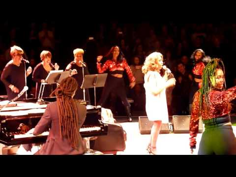 ARETHA FRANKLIN - Chain of Fools - LIVE @ THEATRE AT WESTBURY NYC 13.5.2017