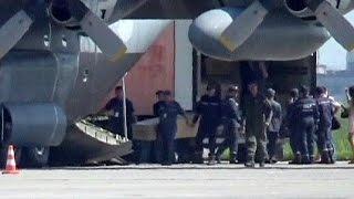 Eindhoven recibe otros dos aviones con restos de las víctimas del vuelo MH17