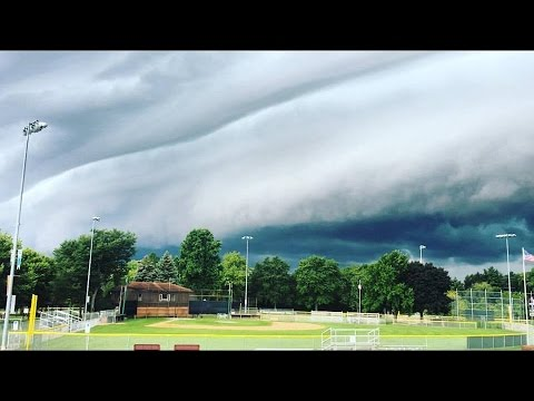Shelf Cloud Severe Thunderstorm 8/19/16 Libertyville, IL