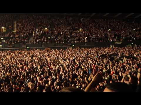 Korn performing Right Now and Here to Stay live @ SSE Arena Wembley 16/12/2016 [HQ]