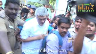 Thala Ajith and Shalini Casted Their Votes  -  Lok Sabha Election 2019
