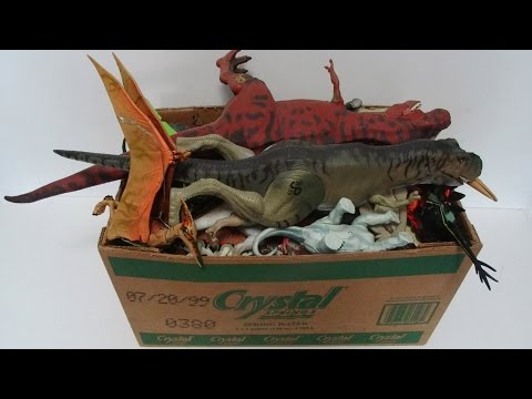 What's in the box: Jurassic Park toys! Dinosaurs, Action Figures, Vehicles!