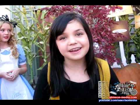 1000+ images about miranda cosgrove merry christmas drake ...