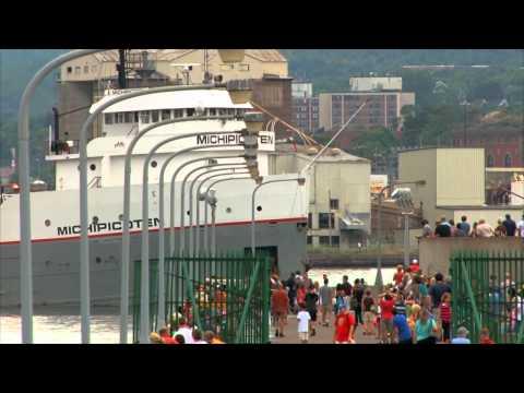 A Midsummer Laker Dream: 2012 Duluth Ship Traffic