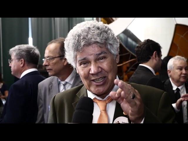 Chico Alencar, deputado federal (PSOL), reforça a importância da redução da desigualdade no Brasil.