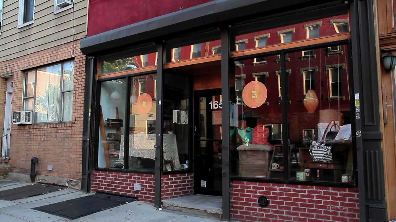 ^MuniNYC - Greenpoint Avenue & Manhattan Avenue (Greenpoint, Brooklyn 11222)